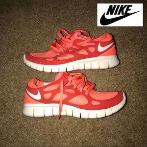 Nike Women's Free Run 2 in a Size 8
